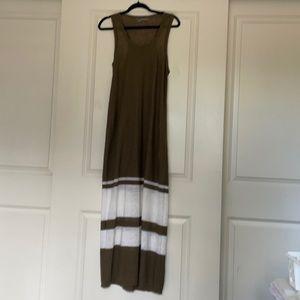 360 Sweater Linen Maxi Dress